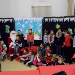 tous les enfants avec le Père Noël !!!!