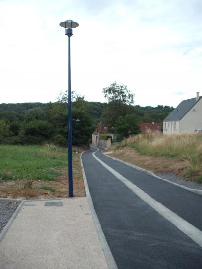 la rue le champ Marot